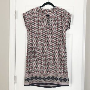 Printed shift dress with open neckline
